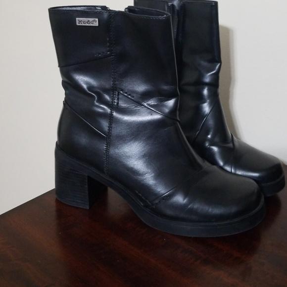d1018cbba883a 💓SALE💓Mudd boots. M 5b6a53a6409c15aa676ce491